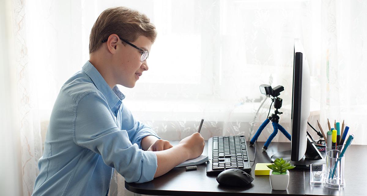 Ψηφιακή Μέριμνα Laptop Desktop Students 01